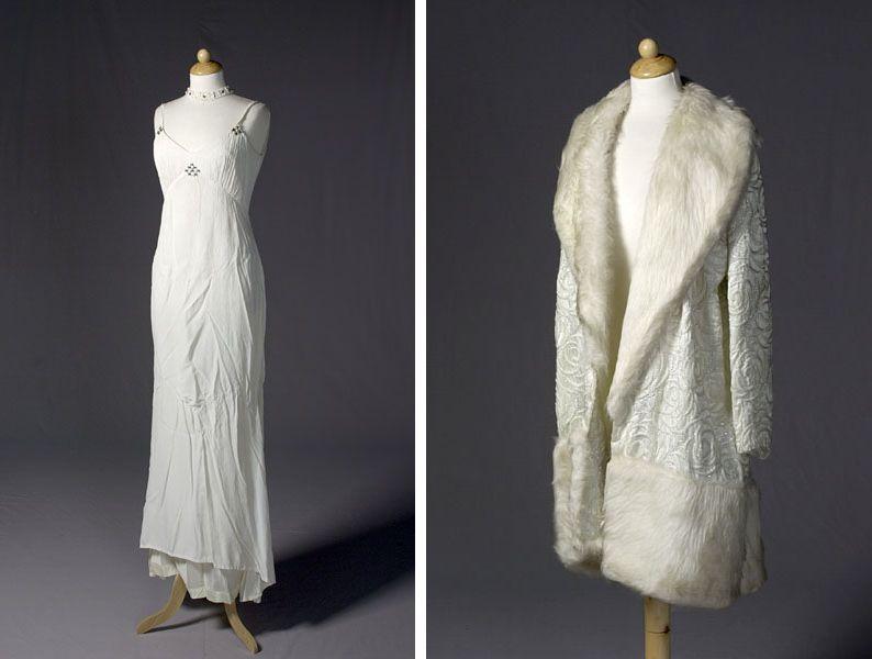 Japon en mantel, gedragen door Ina van Faassen in Wim Sonneveld en Ina van Faassen , 1968. Ontwerp Max Heymans.