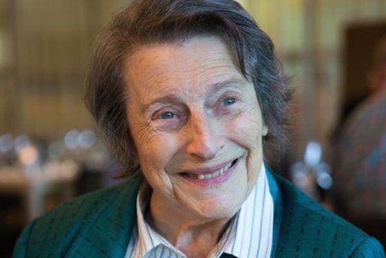 Luisa Treves, oprichtster van het Nederlands Theater Jaarboek, overleden.